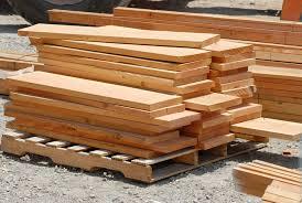 pilih pengawet kayu yang bagus.